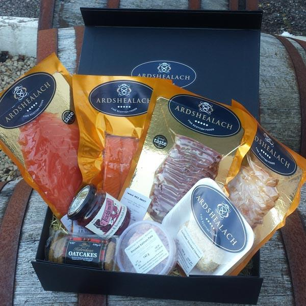 Gourmet Hamper with a variety of delicious smoked produce